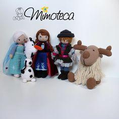 Agora a turminha congelante está completa! E a princesa Ana feliz com seu príncipe!! #Kristoff #frozen #anafrozen #elzaeana  #mimoteca #emoçãoemarte #feitocomamor =============================== #amigurumi #designercrochet #boneca #festainfantil #decor #bonecadecrochet #mimos #presentes #props #feitoamao #personalizados #partykids #casamento #maternidade #crochet #handmade #instapartybloggers Contato e orçamento:  Site: www.mimoteca.com.br e-mail: mariana@mimoteca.com.br Face…