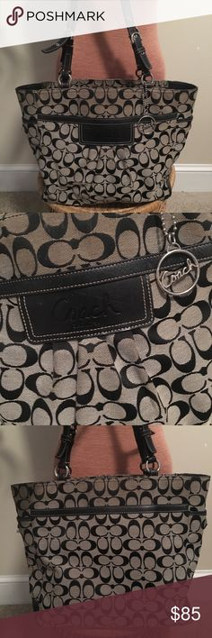 COACH 👜 large Coach tote bag, good used condition. fully functional- just needs to be cleaned up ♥️ Coach Bags Totes