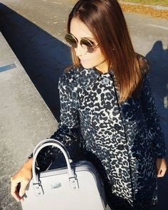 Autumn, sunglasses and animal print! My week just started better than ever! We finally moved to our new office and were received today with a surprise from our bosses. Little details make big differences and I 'm just soooo happy today. Wish you an amazing week my darlings 😘😘😘 . . . . . . . . . . #sponsored #collaboration #kooperation #werbung #brandambassador #austrianblogger #blogger_at #blogger_de #germanblogger #bloggermexicana #fashionista #fashiongram #spanishblogger #coat… Happy Today, My Darling, Brand Ambassador, What I Wore, Collaboration, Ootd, Michael Kors, Street Style