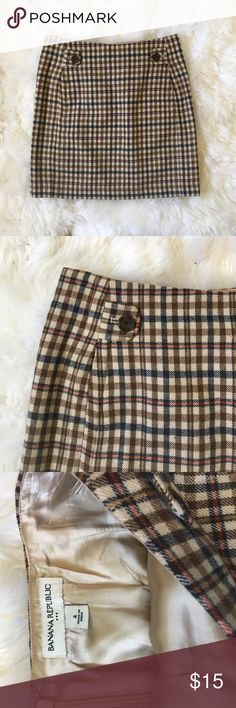 "Banana republic plaid skirt BR plaid wool skirt in perfect condition. 30"" waist, 17.5"" long Banana Republic Skirts Mini"