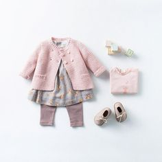 Pink and Grey outfit - Zara Mini Fashion Kids, Little Girl Fashion, Outfits Niños, Baby Outfits, Look Zara, Zara Mini, Zara Baby, Cute Baby Clothes, Kids Fashion