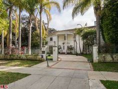 -- Please click the picture to see the complete details of this property and 19 other Total Luxury Homes in Beverly Hills.
