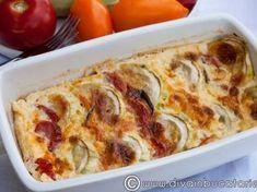 Dovlecei cu rosii si mozzarella - imagine 1 mare Mozzarella, Romanian Food, Romanian Recipes, Ricotta, Lasagna, Quiche, Baking Recipes, Zucchini, Vegetarian