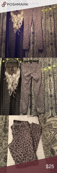 Jessica Simpson Kiss me jeggings Leopard print Good used condition some piling in the inner thigh. Mix gray and black leopard print. Jessica Simpson Jeans Skinny