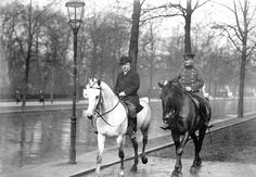 Bernhard Fürst von Bülow (left) at Berlin's Tiergarten.