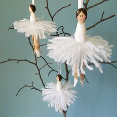 Set of 3 white vintage peg doll ballerina by LovelyNiceThings