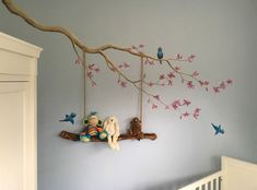 Bloesem met schommel muurschildering gemaakt door BIM Muurschildering. blossom mural painting nursery boy birds, swing made from stick from the woods.