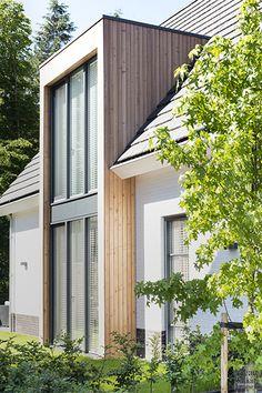 Bungalow Extensions, House Extensions, House Windows, Facade House, House Extension Design, Modern Farmhouse Exterior, Villa Design, Home Design Plans, House Floor Plans