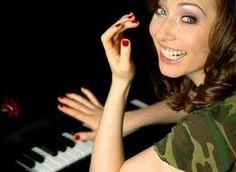 Her music is intoxicating. <3 Regina Spektor <3