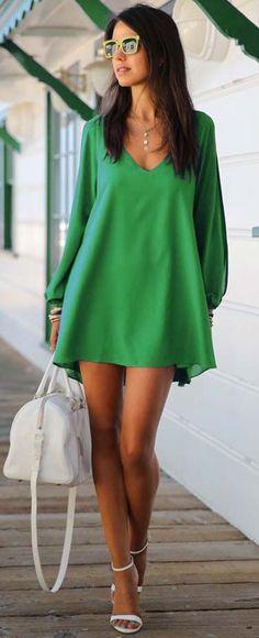 Street style | Chiffon loose green dress with heels and white handbag | Latest fashion trends
