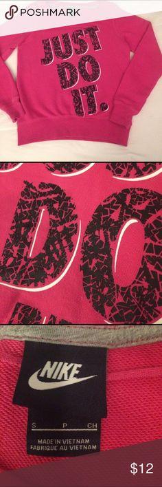 Nike sweatshirt EUC   Back is solid pink Nike Tops Sweatshirts & Hoodies