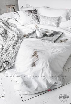 Cozy bed and a warm cup of coffee Cosy Interior, Interior Design, Home Bedroom, Bedroom Decor, Shabby, Modern Rustic Homes, Transitional Decor, Cozy Bed, White Bedding