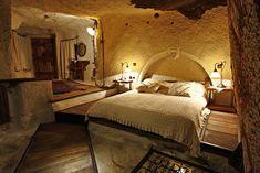 AD-Unusual-Themed-Hotels-5-2    Fairy Chimney Hotel, Turkey