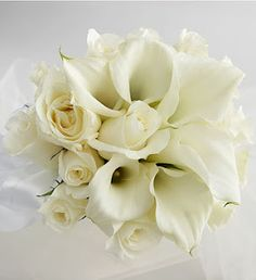 rose and calla lily bouquet...mine will be kinda like this but with more flowers and greenery!!!