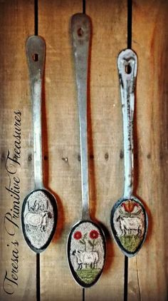 Now that August and September are behind us its time to move on to creating Winter and Christmas wares! The weather is finally feeling l... #feltanimals #needlepunch
