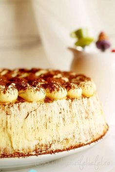 Tort cu crema de mascarpone Cake Bars, Camembert Cheese, Dairy, Ice Cream, Sweets, Smoothie, Tart, Recipies, No Churn Ice Cream