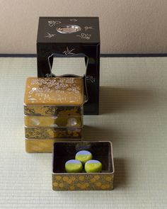 Japanese confectionery on Maki-e lacquer multitiered box from Meiji era