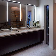 LIXIL <ルミシス> Laundry In Bathroom, Washroom, Powder Room Design, Japanese House, Bathroom Interior, Toilet, Mirror, Home Decor, Bathroom Remodeling