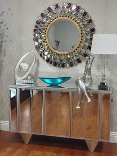 Lovely submission from FINNOS ARTE FLORAL E INTERIORES of our Grace Mirror in this lovely arrangement #RoundMirror #JeweledMirror #HowardElliottMirror #LivingRoomMirror Living Room Mirrors, Led Mirror, Arte Floral, Round Mirrors, Submission, Plank, Design Inspiration, Jewels, Home Decor