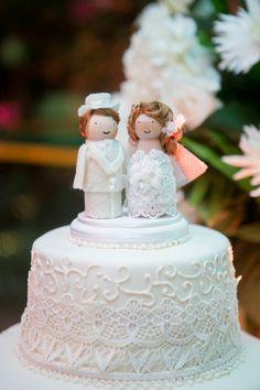 Cake topper by No me olvides! #caketoppers #weddingideas #weddingcake #diy #handmade #nomeolvides