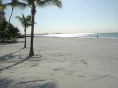 BEACH BEAUTY WITH GULF VIEW Fort Myers Beach Florida, Florida Beaches, Beach Condo, Beach Day, Google Images, Sea Shells, Vacation, Places, Water