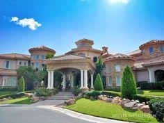Las Vegas Luxury Homes Classic House Design, Dream Home Design, Design Hotel Paris, Dream Mansion, Las Vegas Homes, Home Building Design, Luxury Homes Dream Houses, Mediterranean Homes, Dream House Exterior