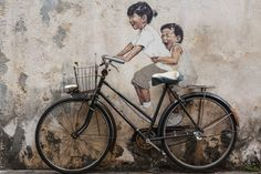 Street art that would make any inner child smile.Based in Penang, Malaysia, young Lithuanian artist Ernest Zacharevic describes himself as a fine artist who prefers to work on the street. Rembrandt, Op Art, Street Art Artiste, George Town Penang, Art Nouveau, Art Picasso, Space Illustration, Best Street Art, Street Photo