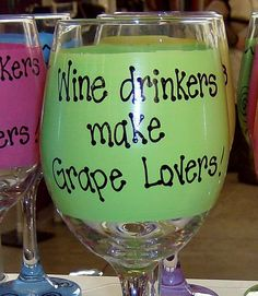 Wine Drinkers make Grape Lovers Hilarious Funny Wine Glass Gift Idea Handpainted Large high! Funny Wine Glasses, Wine Bottle Glasses, Decorated Wine Glasses, Hand Painted Wine Glasses, Gifts For Wine Drinkers, Wine Glass Crafts, Wine Sayings, Wine Quotes, Painted Wine Bottles