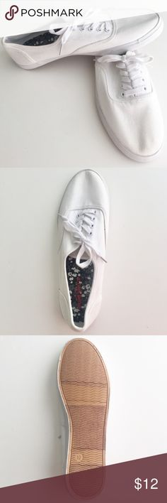 Mossimo tennis shoes white sneakers brand new Mossimo tennis shoes. Brand new, never worn. Size: 10 Color: white **MAKE AN OFFER** Mossimo Supply Co. Shoes Sneakers