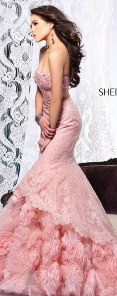 Pink gowns - not my color, but nvertheles, beautiful!