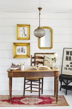 Singer-songwriter Holly Williams renovated an Kentucky farmhouse that sits on 42 acres. Farmhouse Renovation, Farmhouse Chic, Home Office Furniture, Home Office Decor, Home Decor, Office Ideas, Desk Office, Holly Williams, Country Living Magazine