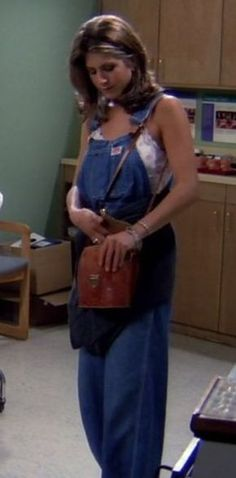 """Slouchy dungarees   20 Things Rachel Wore In """"Friends"""" That You'd Definitely Wear Now"""