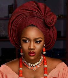 Autogele / Ready to Wear Gele/Auto-gele Auto Gele is Gele that is already made for easy wearing, all you have to do is put it [. African Head Scarf, African Hats, African Head Wraps, African Fashion Ankara, African Fashion Designers, African Attire, African Women, African Crown, How To Tie Gele