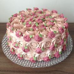 The photo - Birthday Cake - Torten İdeen Pretty Birthday Cakes, Pretty Cakes, Cute Cakes, Fancy Cakes, Beautiful Cakes, Yummy Cakes, Amazing Cakes, Cake Birthday, Cake Decorating Frosting