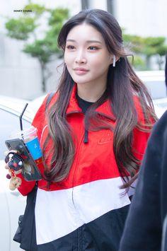 Kpop Girl Groups, Kpop Girls, My Girl, Cool Girl, Massage Girl, Ailee, Korean Makeup, Her Music, Korean Singer