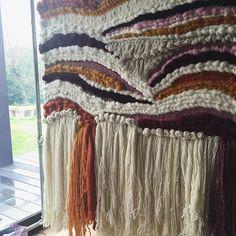 AUBERGINE & PINK  #wallart ⚡️⚡️⚡️ #detail #weaving #largeloom  #chunky #wool #fibreart #organic #design #interiordesign #madeinaustralia #handmade
