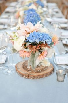 Peach and blue hydrangea centerpiece - Wedding Colours, Wedding Themes, Wedding colour palettes
