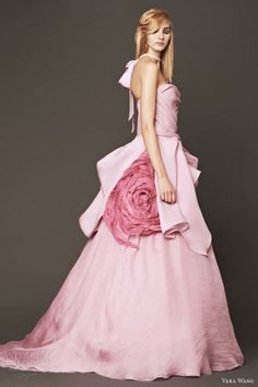 fall 2014 wedding dresses, 2014 bridal gowns What a gorgeous wedding gown! Pink Wedding Gowns, Wedding Dresses 2014, Bridal Gowns, Dress Wedding, Blush Bridal, Bridesmaid Dresses, Vera Wang Bridal, Vera Wang Wedding, Bridal Collection