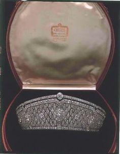 Saxon Diamond Tiara; Worn At: 2015 Oldenburg Coronation Ceremony --- 2016 Italian National Day State Banquet --- Coronation of King Philip --- 50th Wedding Anniversary Gala for TM The King and Queen of Bavaria --- Coronation of Katharina of Anhalt