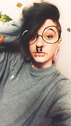 "Képtalálat a következőre: ""xxbisexualunicornxx"" Septum Piercings, Facial Piercings, Pierced Girls, Piercings For Girls, Scene Girls, Stretched Ears, Labret, Body Modifications, Body Mods"
