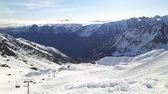 Il y a encore du très bon ski à faire dans les Pyrénées ! Photo prise aujourd'hui à @cauterets !#cauterets #sunny #bluesky #snow #ski #pyrenees #npy #npy2 #tourismemidipy by npyski