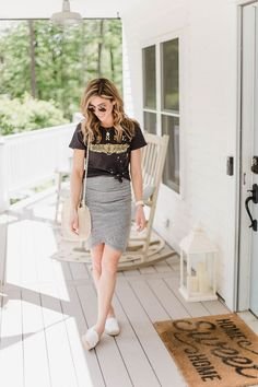 Connecticut life and style blogger Lauren McBride shares her summer staple shoes, including espadrille flats, slip on sandals, and mules. Also featuring ways to style.