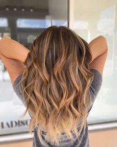 Golden Highlights Brown Hair, Honey Brown Hair, Hair Highlights, Caramel Highlights, Dark Blonde Hair Color, Brown Blonde Hair, Brunette Hair, Blonde Honey, Light Blonde