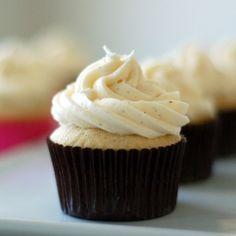 Vanilla Bean Cupcakes with Vanilla Bean Buttercream - cakes alone are 122 calories each. These were a win, very fluffy cakes. Vanilla Bean Cupcakes, Yummy Cupcakes, Cupcake Cookies, Buttercream Cupcakes, Vanilla Bean Frosting, Gourmet Cupcakes, Cupcake Recipes, Baking Recipes, Dessert Recipes