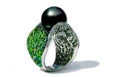 Melo Pearls - Die seltensten und kostbarsten Perlen der Welt sowie Demantoids und Mandarin Garnets