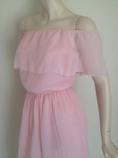 Round She Goes - Market Place - Vintage 70s 80s Pretty in Pink Off Shoulder Party Dress
