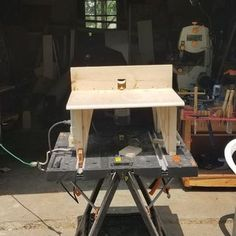 DIY Router Table : 6 Steps (with Pictures) - Instructables Cool Woodworking Projects, Woodworking Projects Diy, Woodworking Shop, Wood Projects, Diy Router Table, Diy Table, Wood Table, Dremel Router, Craftsman Router