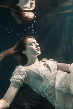 ITAP - my friend underwater in a dress [MLM]