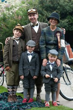 Tweed and Tartan Tweed Ride, Tartan, Plaid, Vintage Outfits, Vintage Fashion, Dresscode, English Country Style, Country Fashion, Harris Tweed
