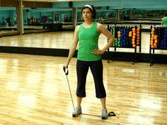 Single arm lateral raises: shoulders